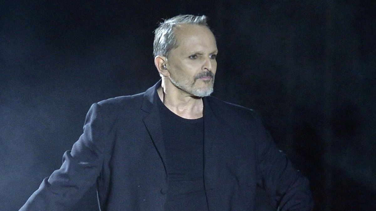 El expareja de Miguel Bosé, denuncia al cantante