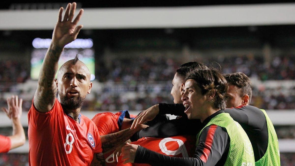 """[VIDEO] """"No solo somos un equipo, somos una familia"""": El emotivo mensaje de Vidal y Medel"""