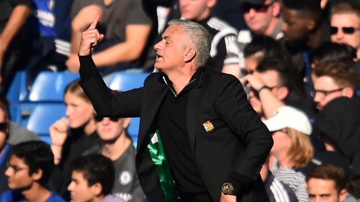 Tras empate, Mourinho casi agrede al cuerpo técnico del Chelsea