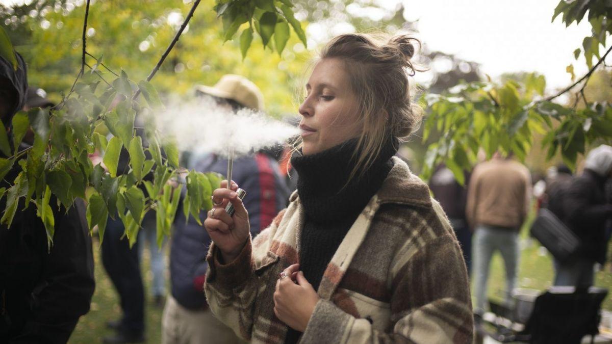 Corea del Sur advierte a sus ciudadanos: no fumen marihuana en Canadá