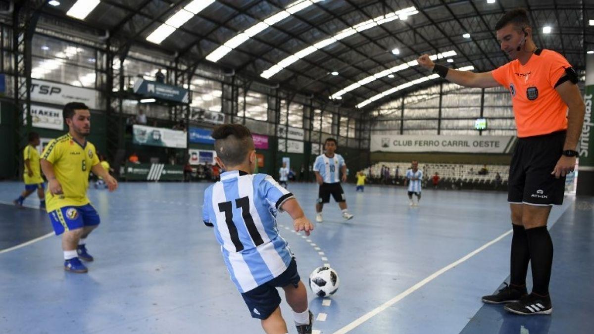 Argentina celebra la primera Copa América de talla baja para luchar contra la discriminación