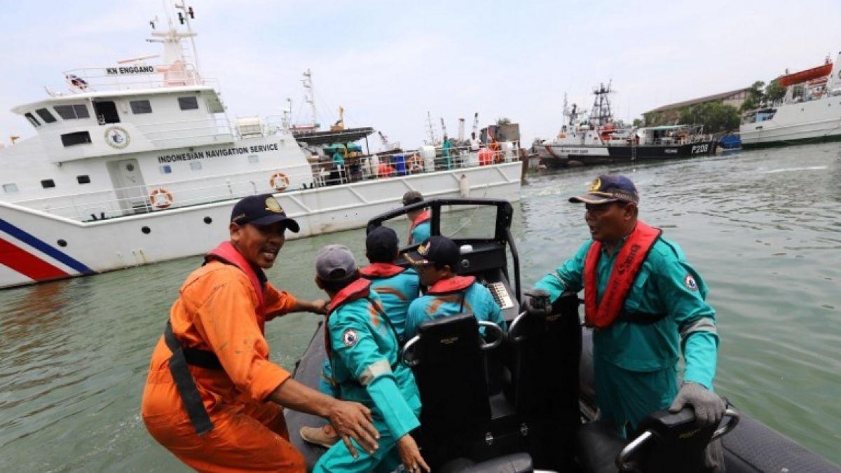 Resultado de imagen para avión estrellado en Indonesia