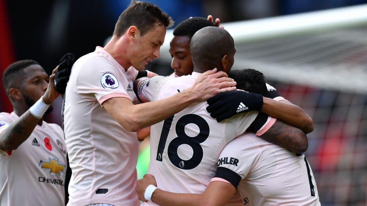 Manchester United con Alexis de titular gana en la agonía ante el Bournemouth