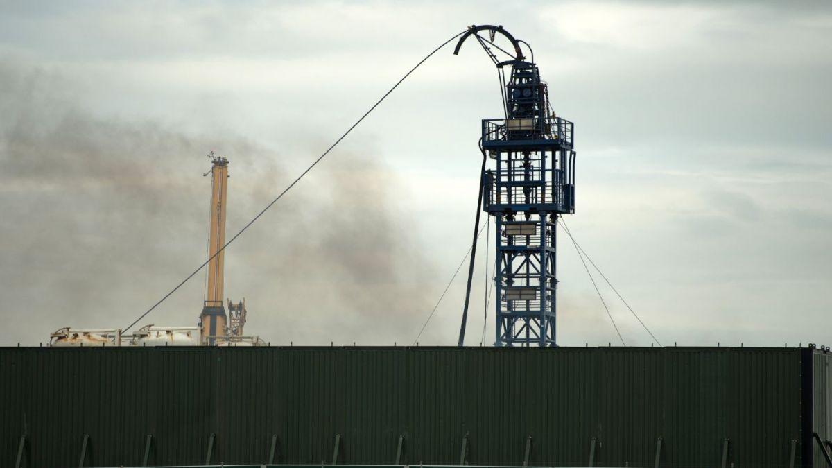 Emiratos Árabes anuncia nuevos descubrimientos de petróleo
