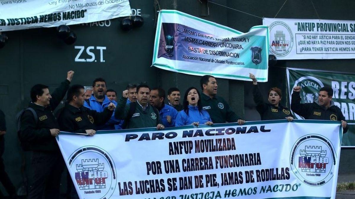 [VIDEO] Gobierno logra acuerdo con gendarmes para destrabar huelga