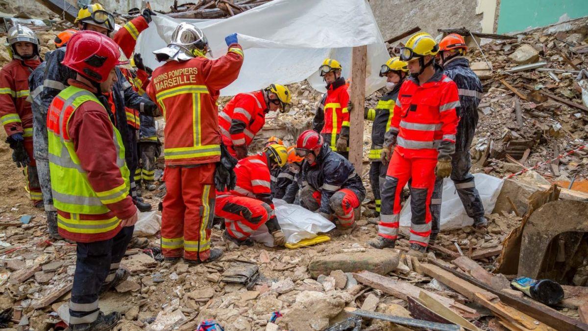Image result for Dos muertos y varios desaparecidos tras derrumbe de dos edificios en Marsella