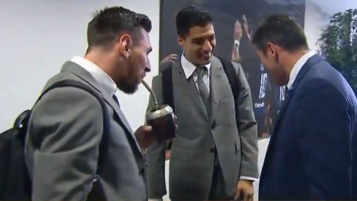 """[VIDEO] """"Qué pinta que tienen"""": El divertido encuentro entre Messi, Suárez y Zanetti"""