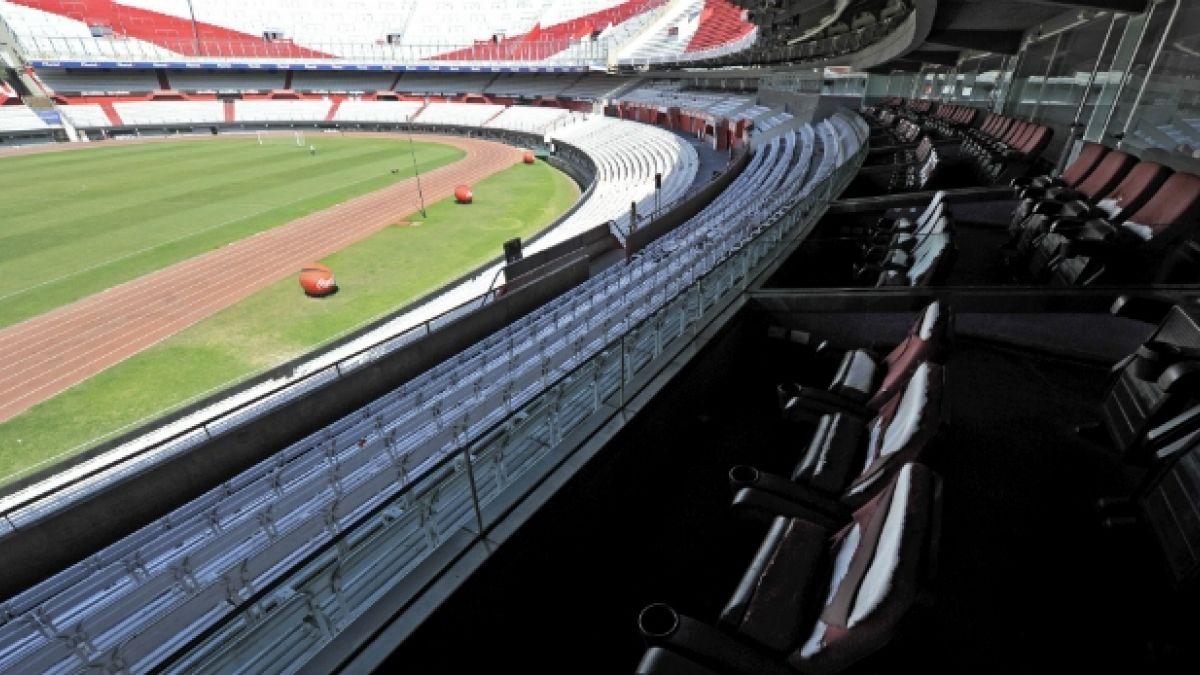 [FOTOS] Provocadores rayados en Estadio Monumental de River a días de la final ante Boca