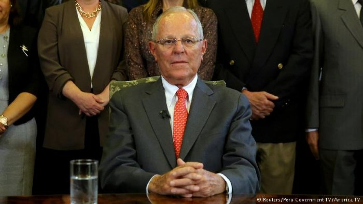 Presentan denuncia constitucional contra Kuczynski por compra de votos en Perú