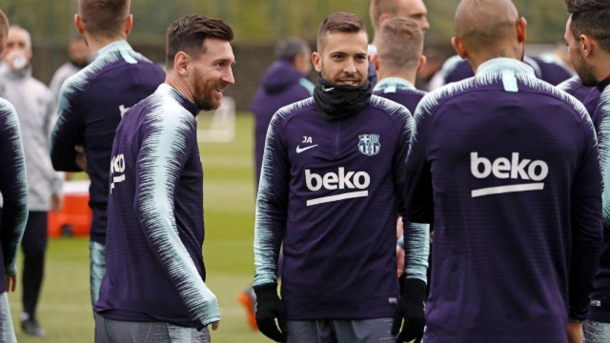 """[VIDEO] Messi reapareció con todo tras lesión y se mandó esta """"joyita"""" en práctica de FC Barcelona"""