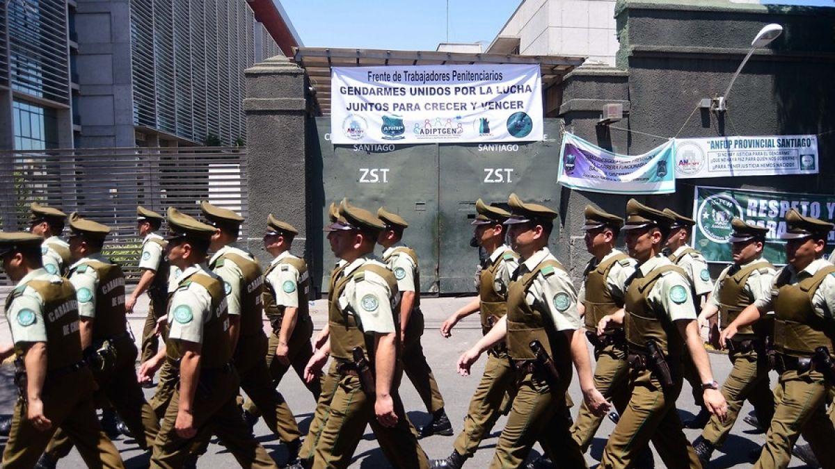 Gendarmes denuncian que Interior ordenó a Carabineros ingresar a la ex Penitenciaría