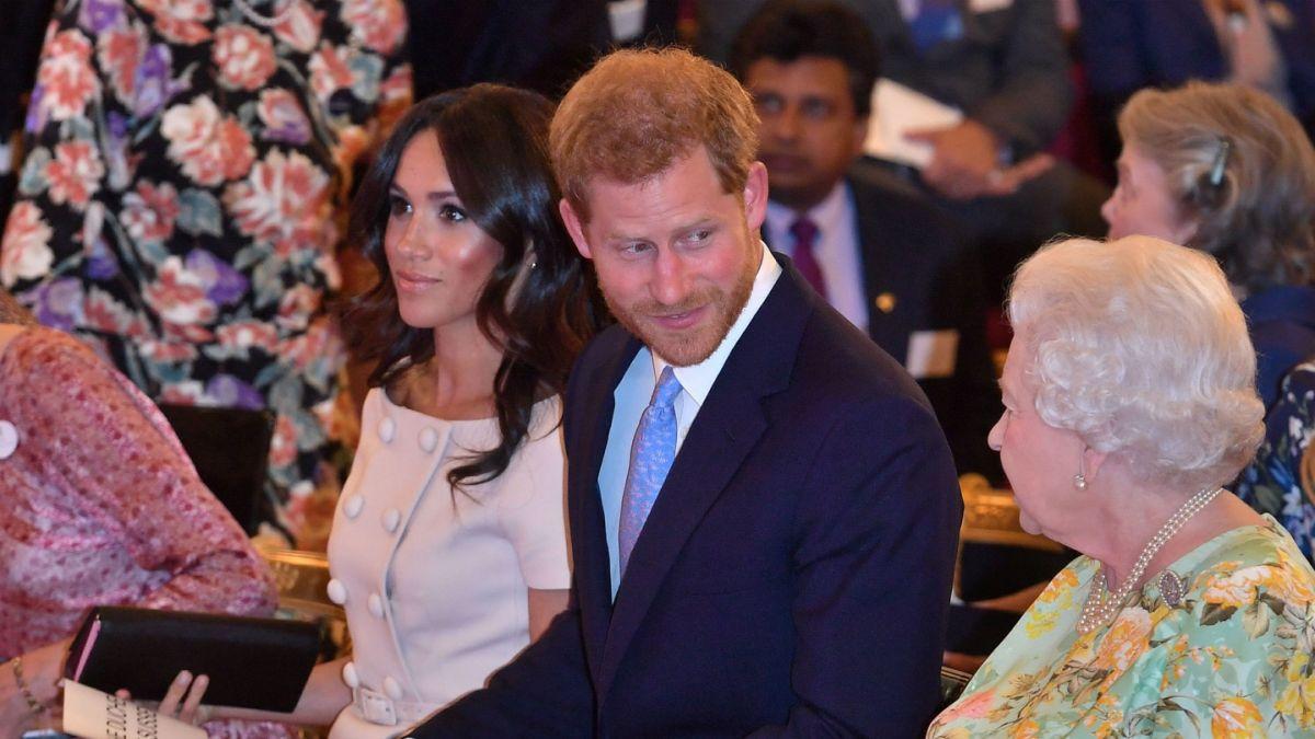 Revelan dura discusión de la Reina Isabel con el príncipe Harry por Meghan antes de la boda