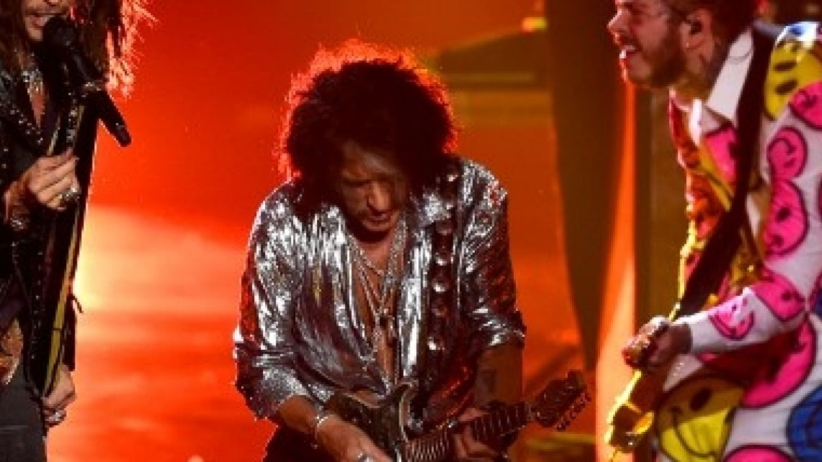 Guitarrista de Aerosmith, hospitalizado tras tocar en el Madison Square Garden