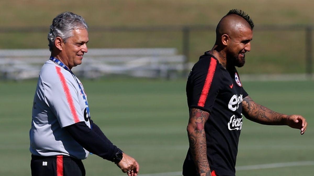 [VIDEO] Arturo Vidal llega a Chile para sumarse a La Roja