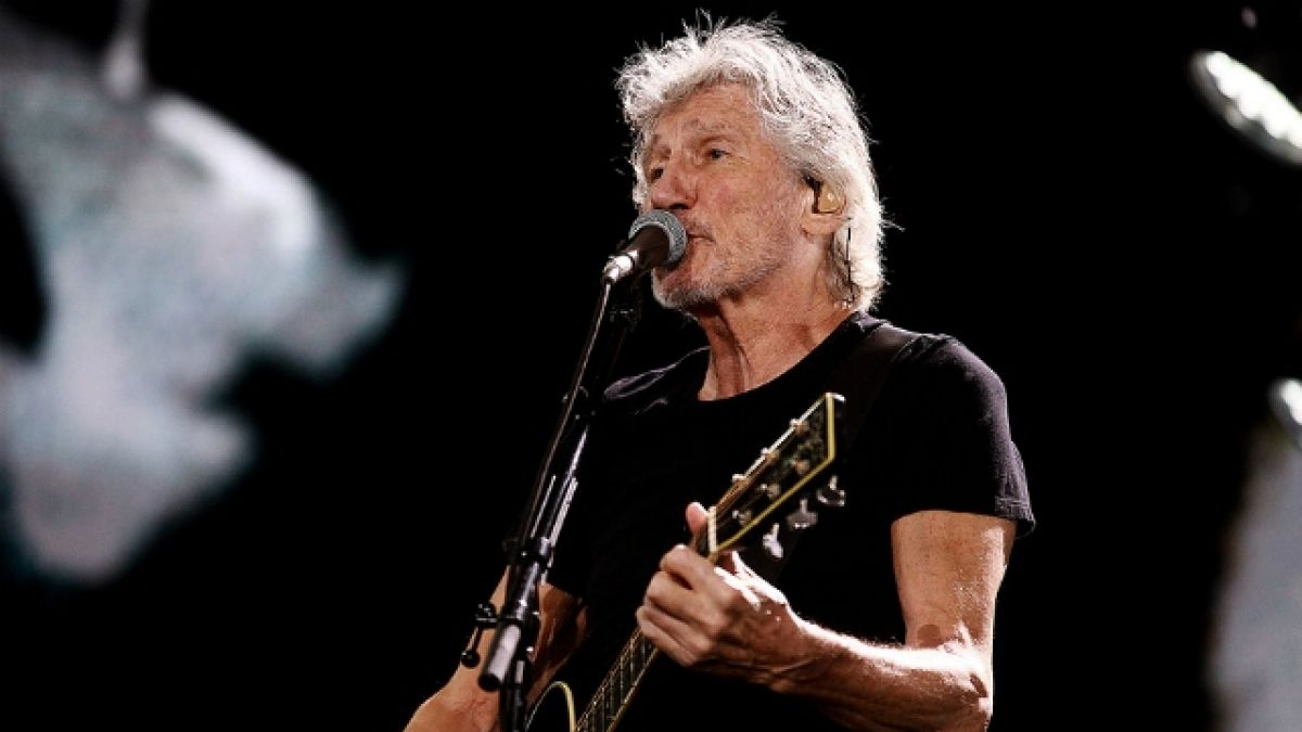 Roger Waters exhibe camiseta de Palestino en concierto en el Estadio Nacional