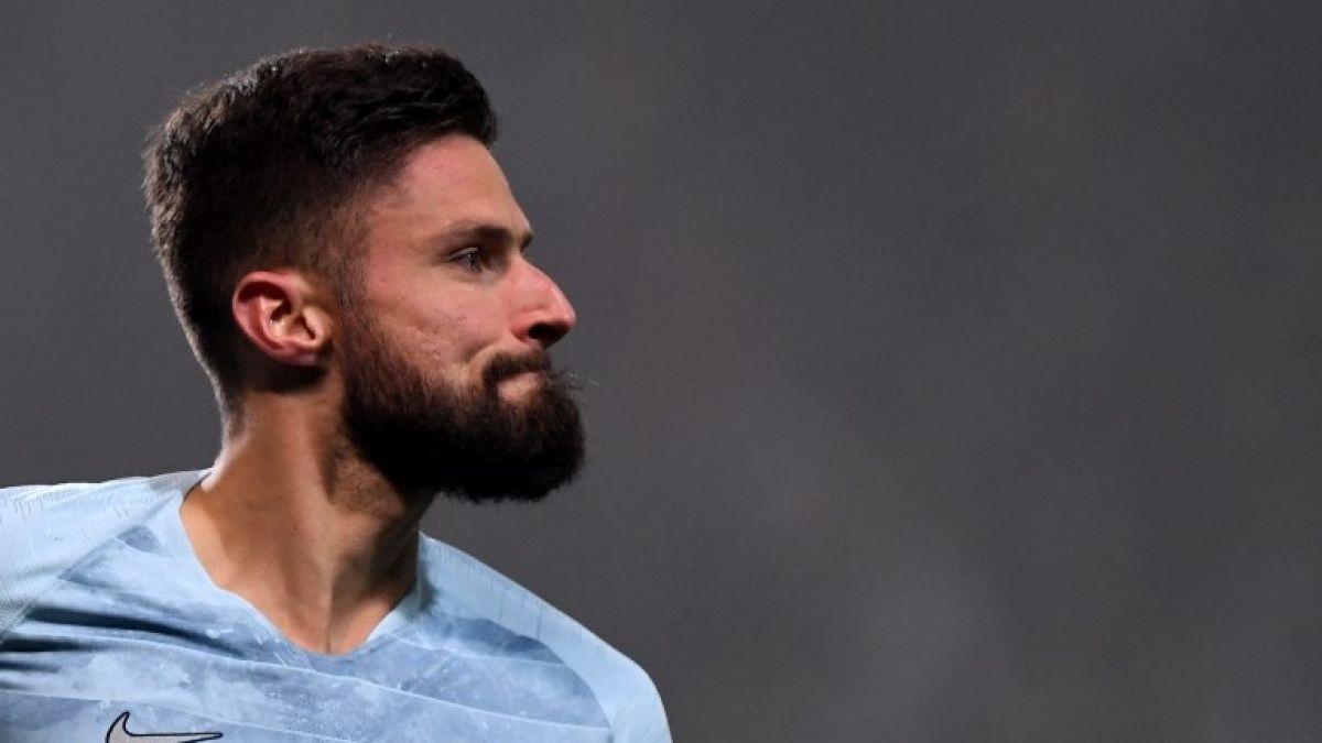 Es imposible declararse homosexual en el futbol: Giroud