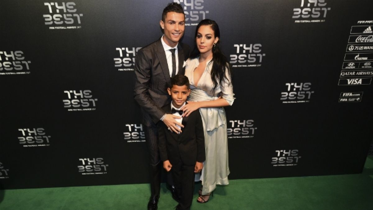 [VIDEO] Cristiano Ronaldo se compromete con la modelo española Georgina Rodríguez