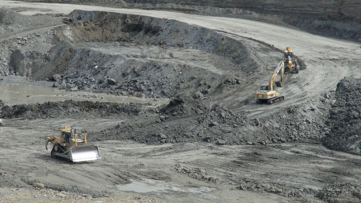 Mina Invierno: Tribunal Ambiental de Valdivia suspende tronaduras en Isla Riesco
