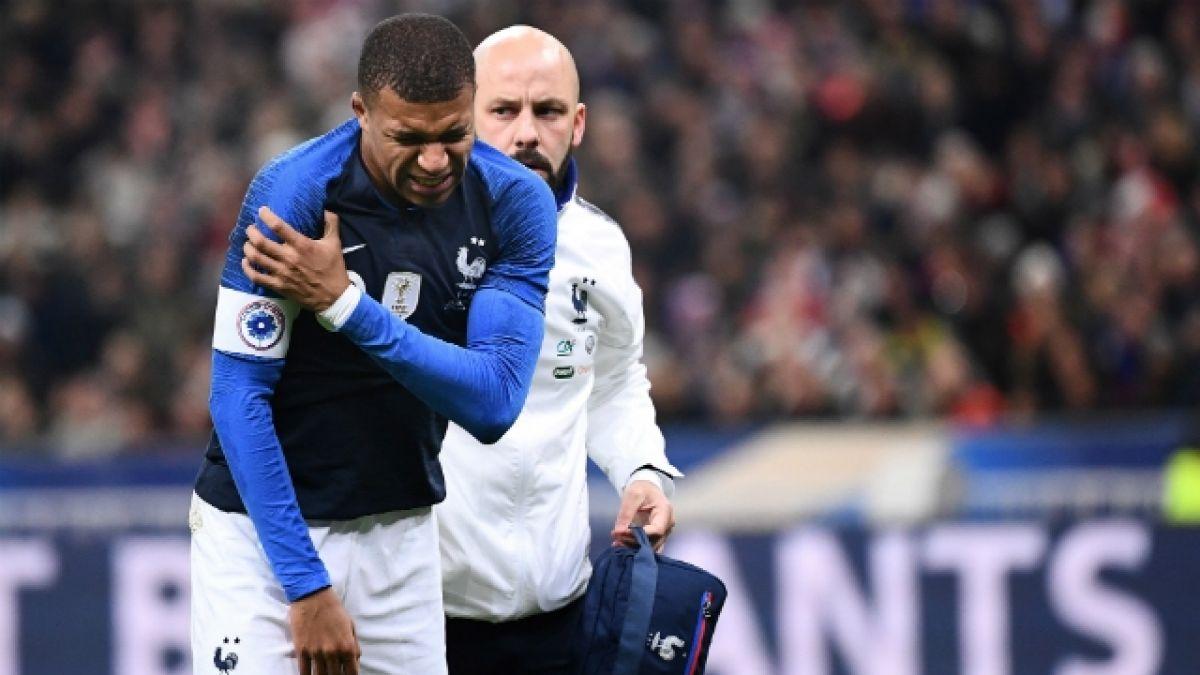 [VIDEO] La dura lesión en el hombro que sufrió Mbappé en amistoso de Francia ante Uruguay