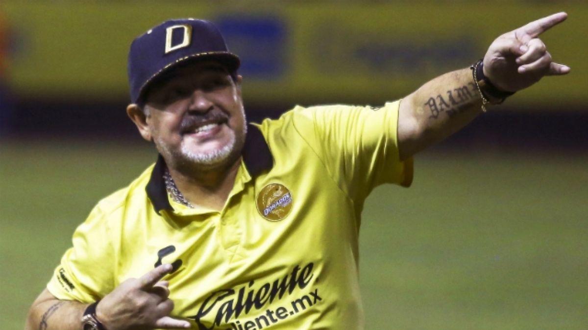 [VIDEO] Maradona se burla del DT de Argentina y dice que él pudo seguir dirigiendo a la Albiceleste