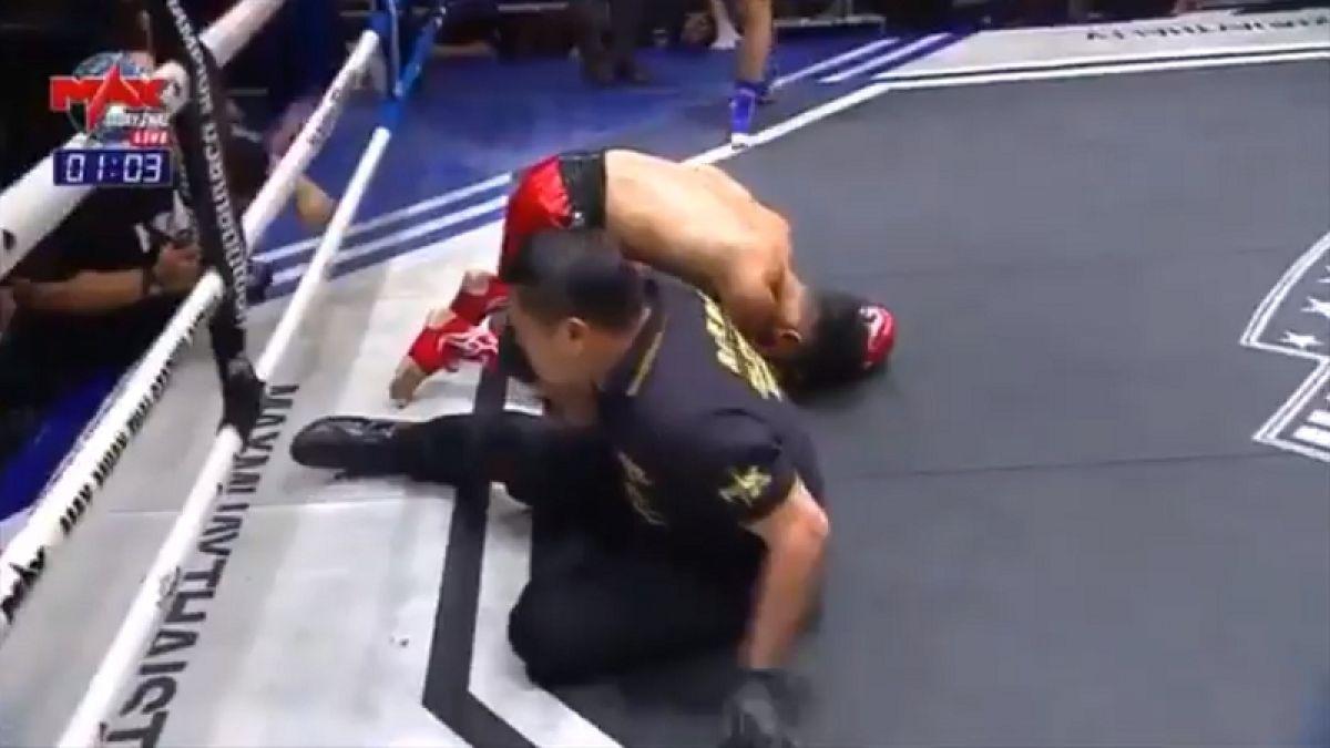 [VIDEO] Para no creerlo: Luchador noquea a su oponente y al árbitro al mismo tiempo