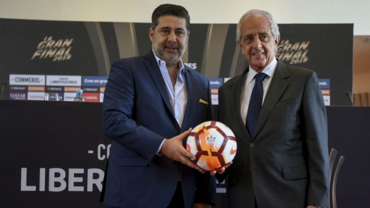 "[VIDEO] Presidente de River a timonel de Boca: ""Vení a jugar, que tus jugadores no tengan miedo"""