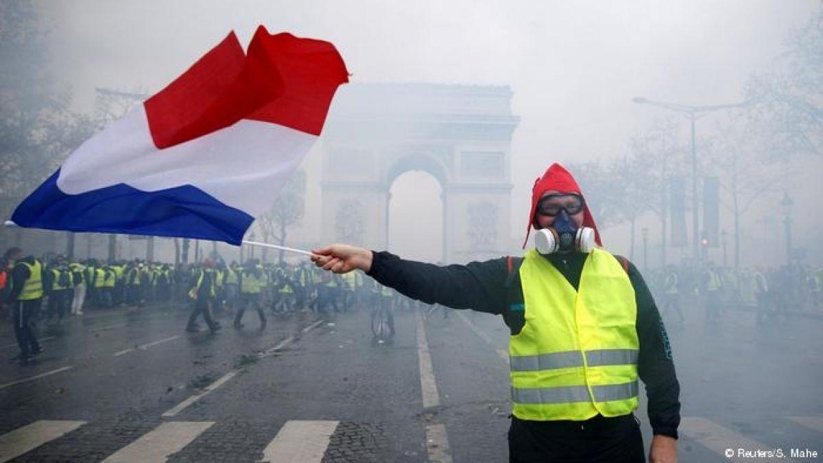 """Francia no descarta estado de emergencia tras """"jornada negra"""""""