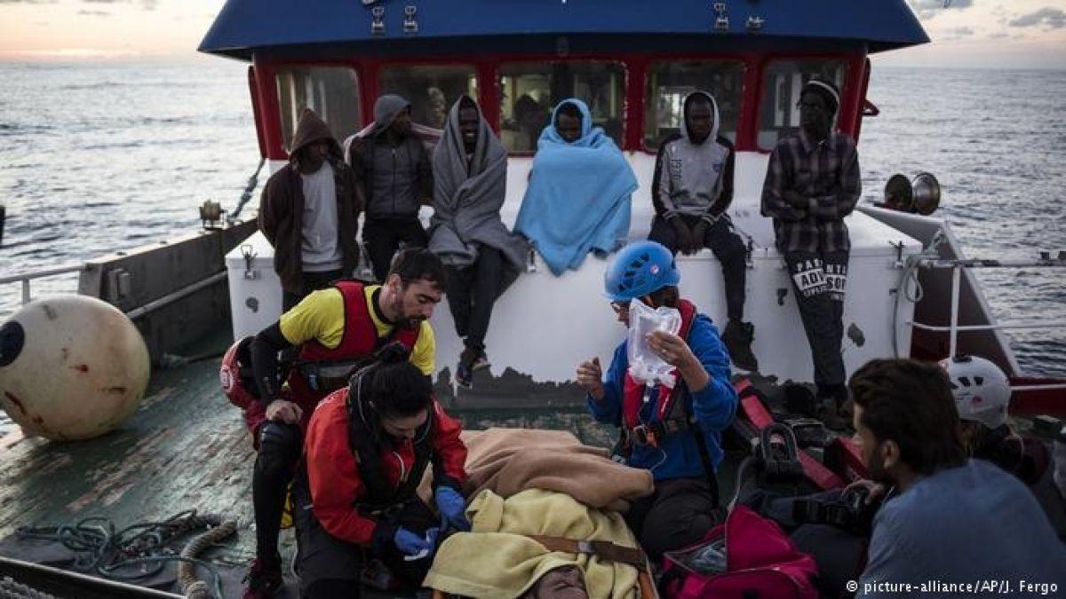 Malta autoriza desembarco de pesquero español con migrantes