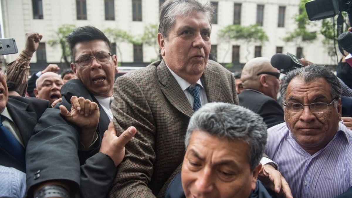 Uruguay rechaza petición de asilo de Alan García, expresidente del Perú