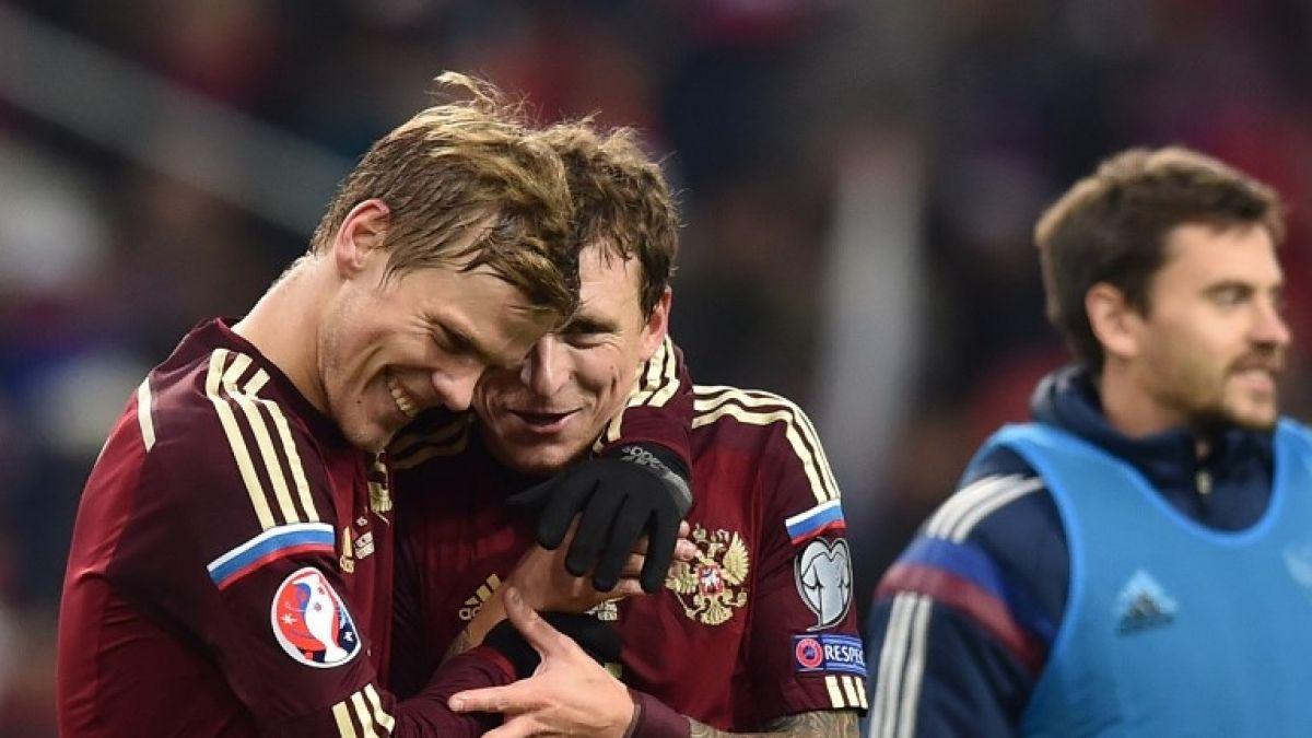 Los futbolistas rusos Mamaev y Kokorin seguirán en prisión dos meses más
