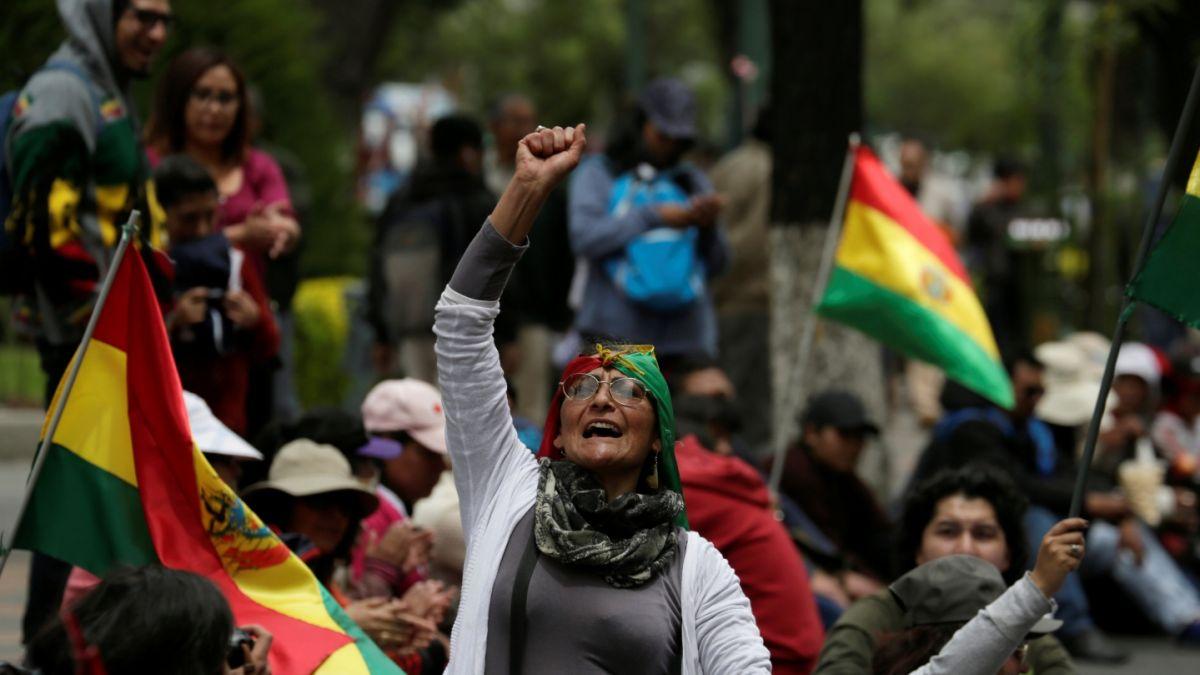 Bolivianos protestan contra postulación de Morales y llaman a desobediencia