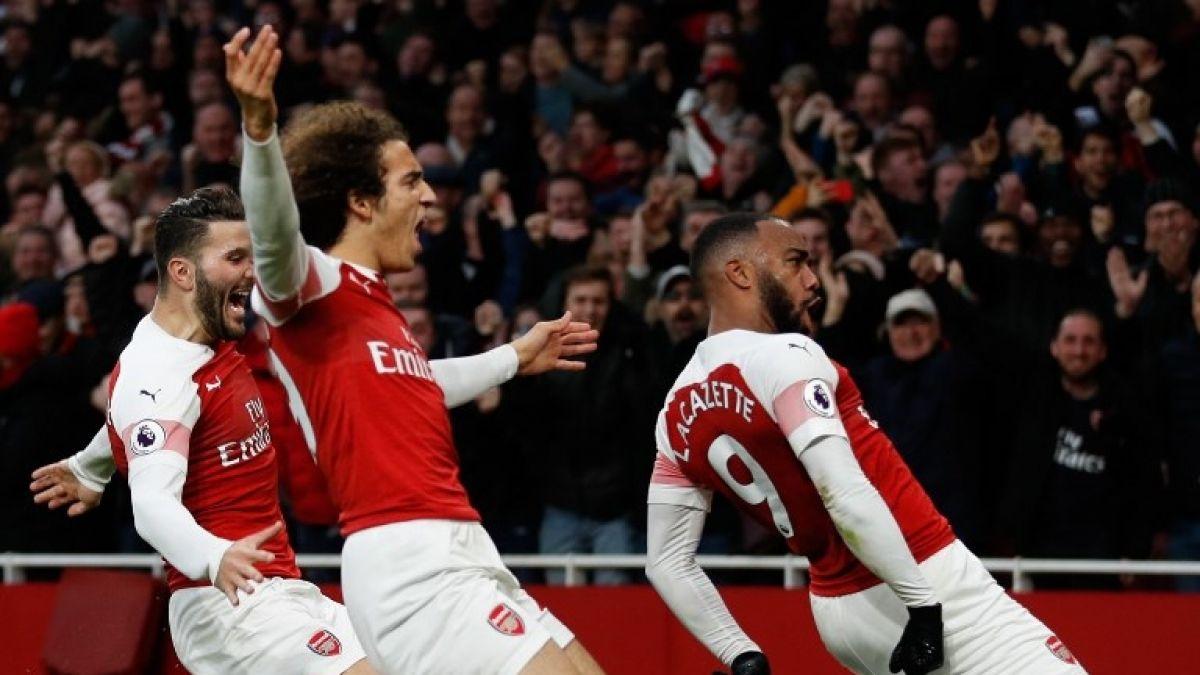 Escándalo: Filtran fotos de jugadores del Arsenal consumiendo alcohol y