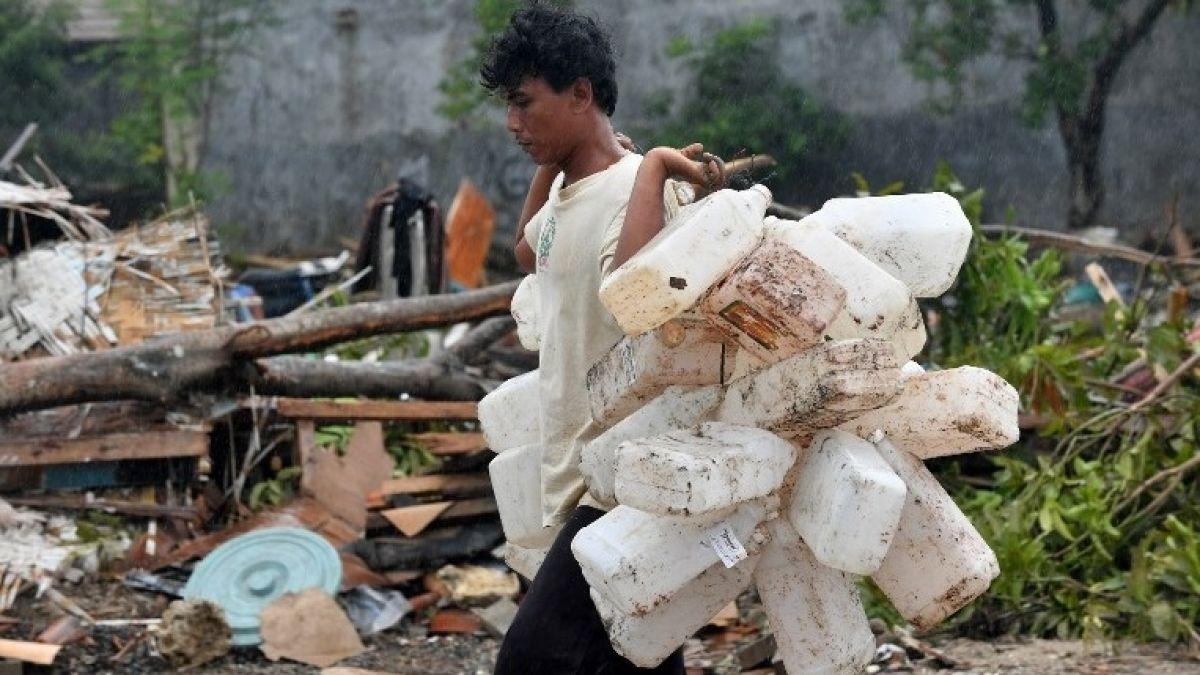 Número de muertos por tsunami en Indonesia se eleva a 429