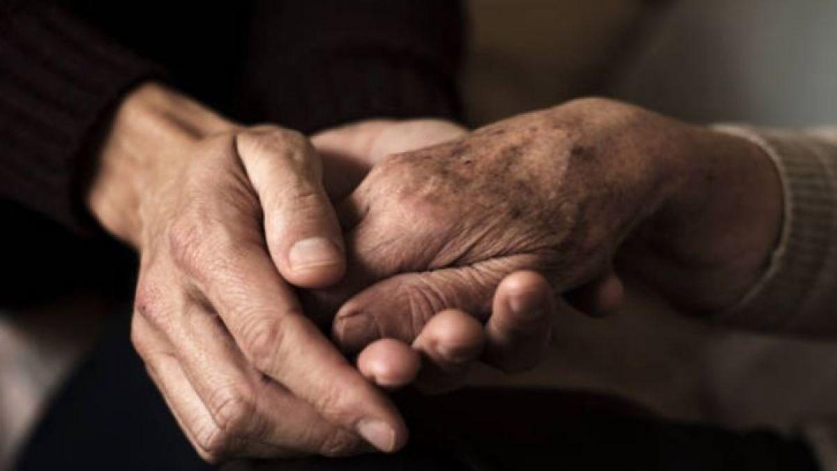 Anciana de 99 recibe carte de su prometido 70 años después