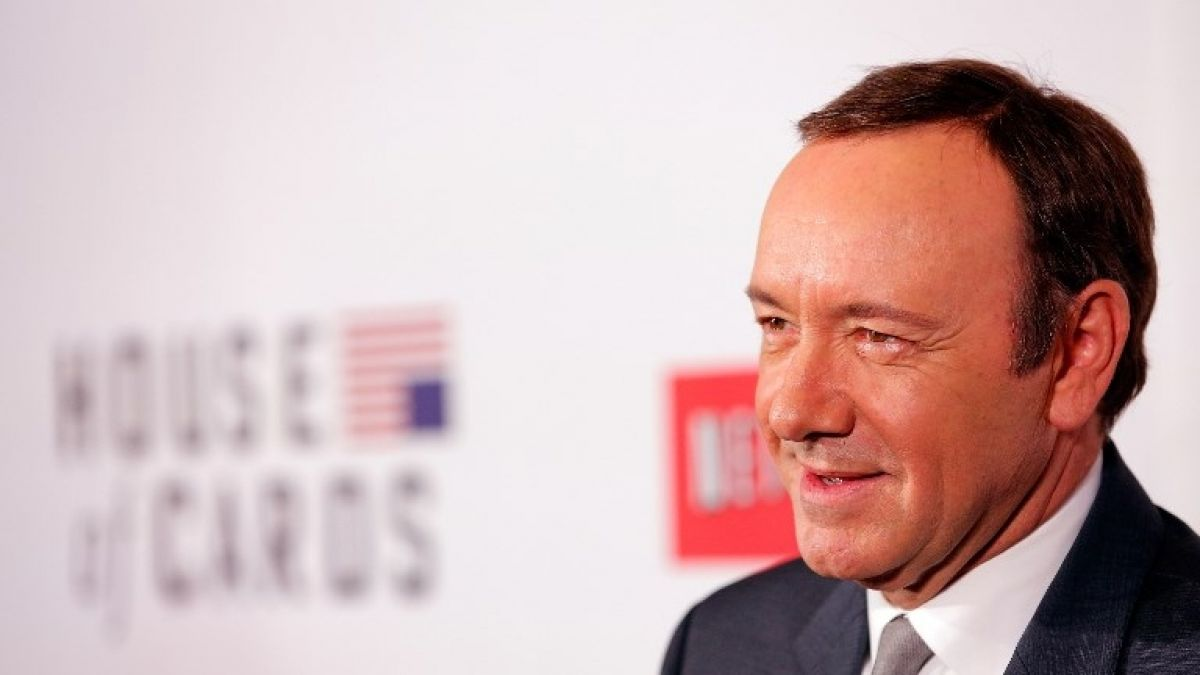 Kevin Spacey le regaló una pizza a un paparazzi