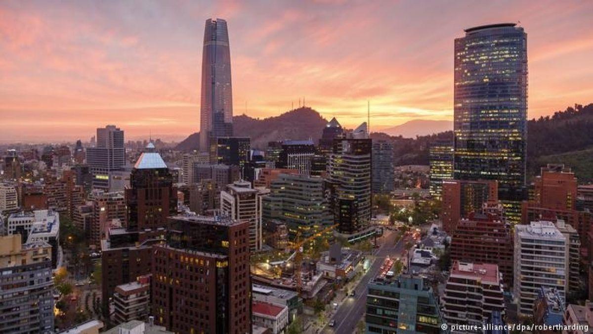 Forbes destaca a Chile como el mejor país de Sudamérica para hacer negocios en 2019