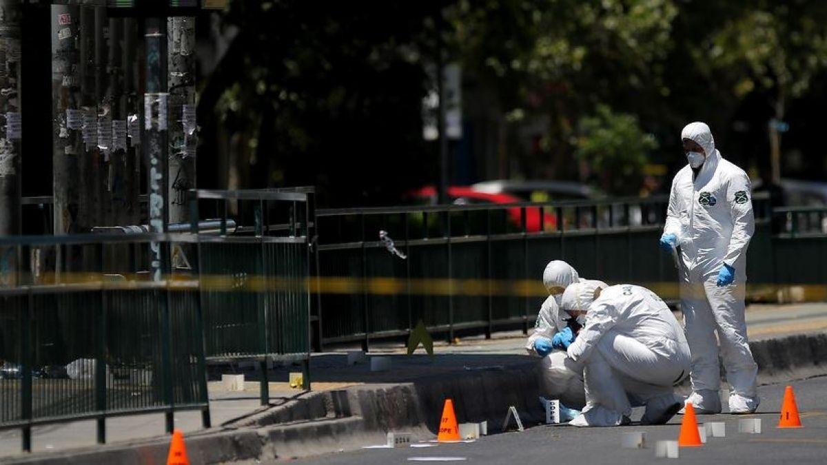 Carabineros trabaja en explosión de artefacto en Vicuña Mackenna