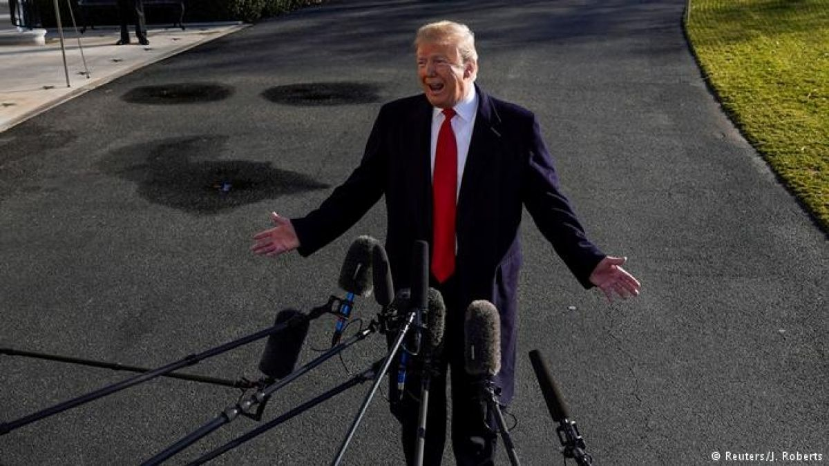 Trump, en la frontera con México: 'Necesitamos un muro'