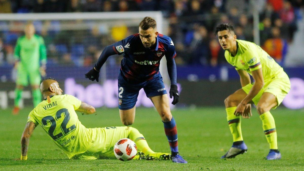 Pese a buen juego de Vidal, Barcelona sufrió inesperada derrota en la Copa del Rey