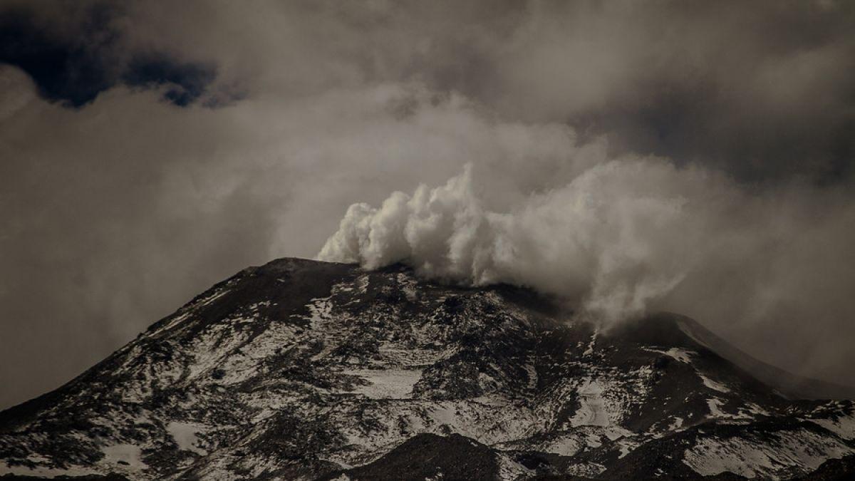 Registran explosión en domo de lava de volcán Nevados de Chillán: Mantienen Alerta Naranja