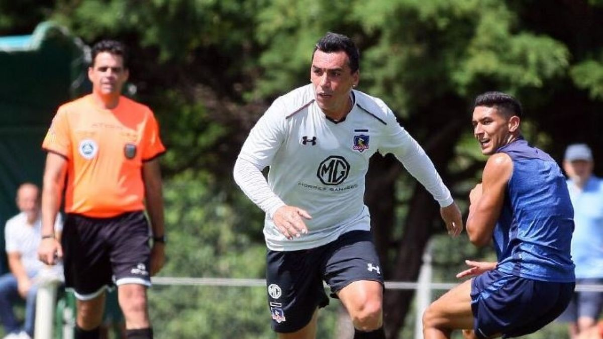 Colo-Colo comenzó con una goleada la era Mario Salas