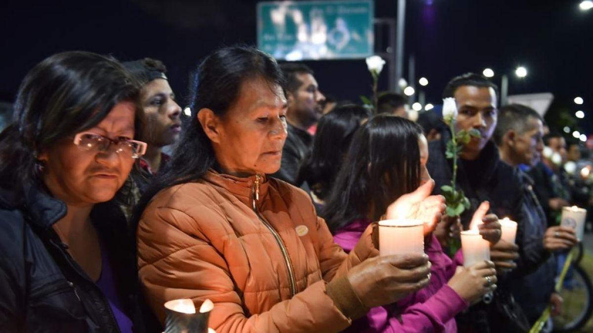 [VIDEO] Duelo en Colombia por atentado que deja al menos 21 muertos
