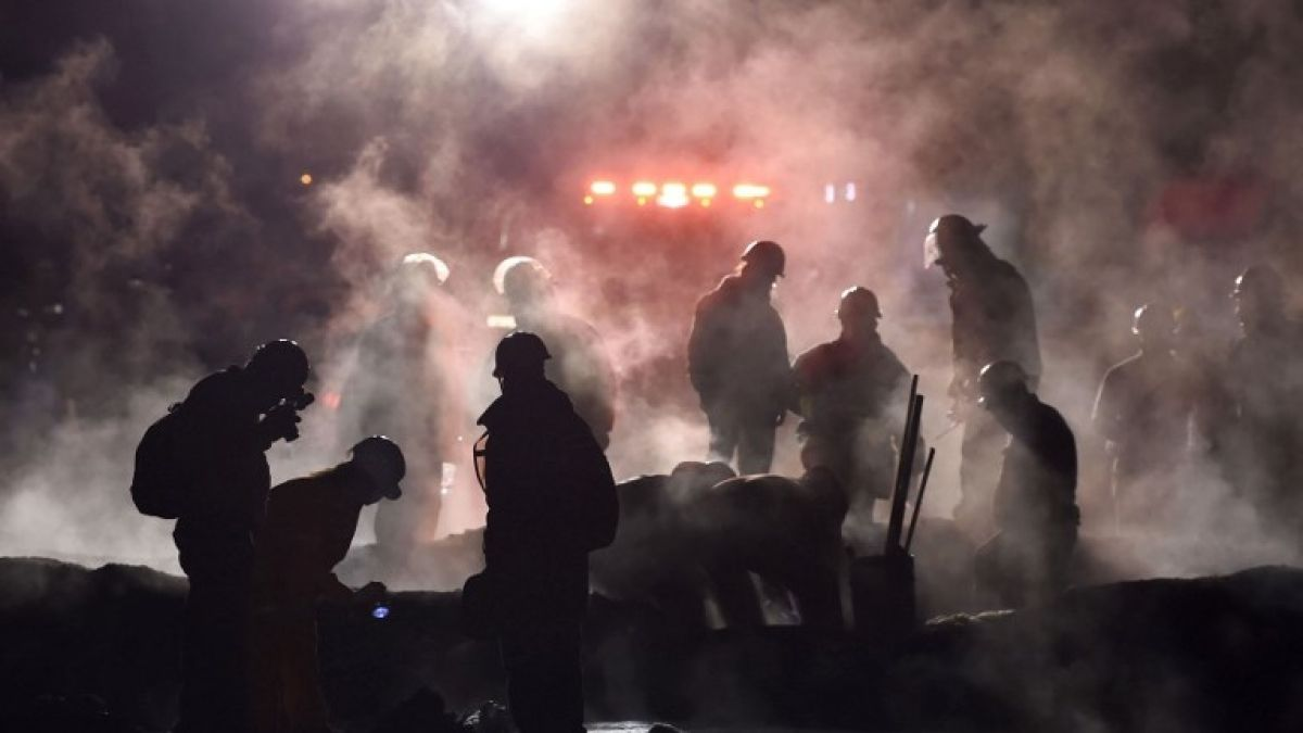 Al menos 66 muertos y 76 heridos por incendio en ducto de combustible en México