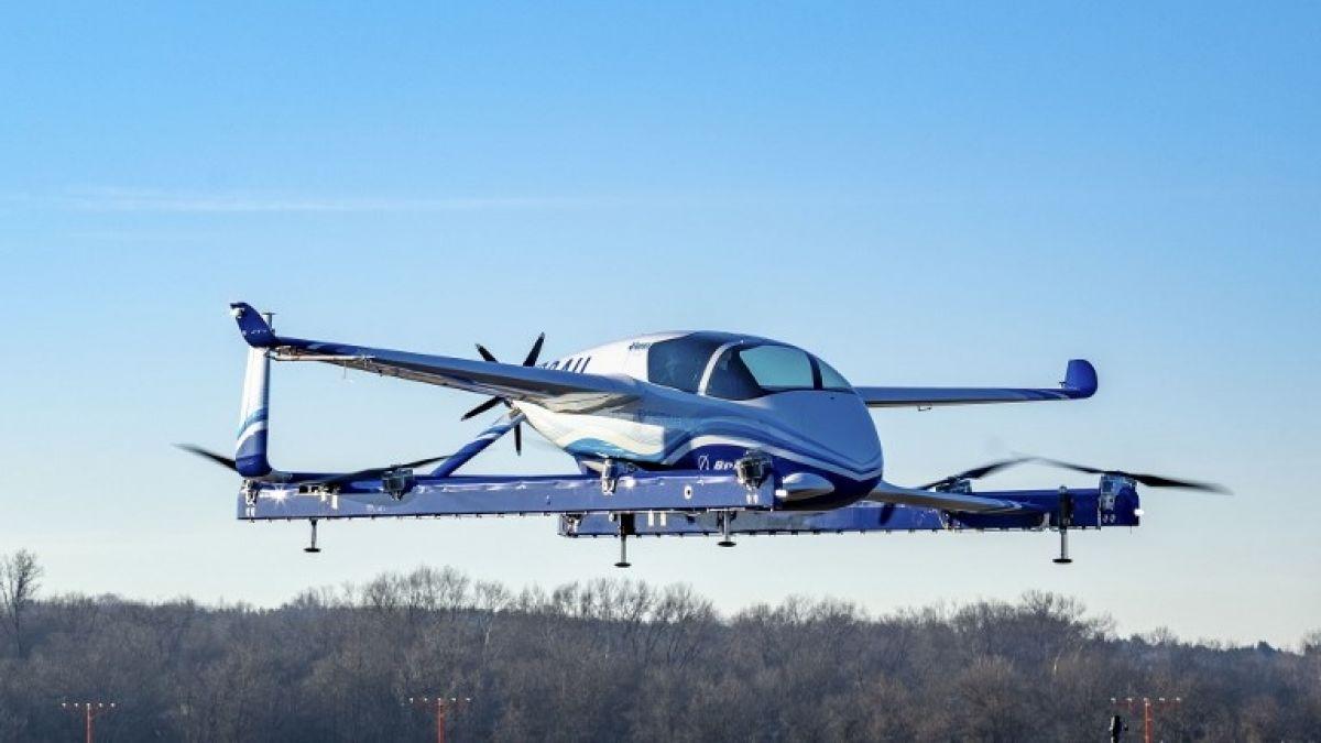 Prototipo de auto volador de Boeing hace su primer vuelo de prueba
