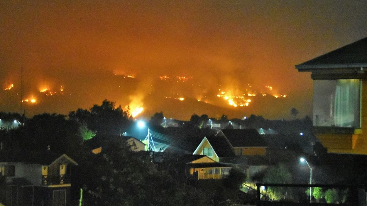 Incendios forestales: ¿Qué es el puelche y cómo afecta a la propagación del fuego?