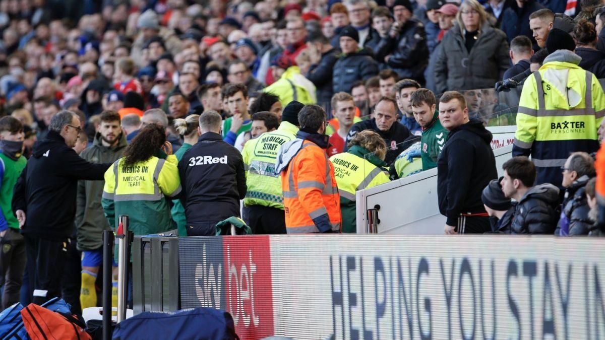 Jugador del Leeds se desmayó luego de ser sustituido