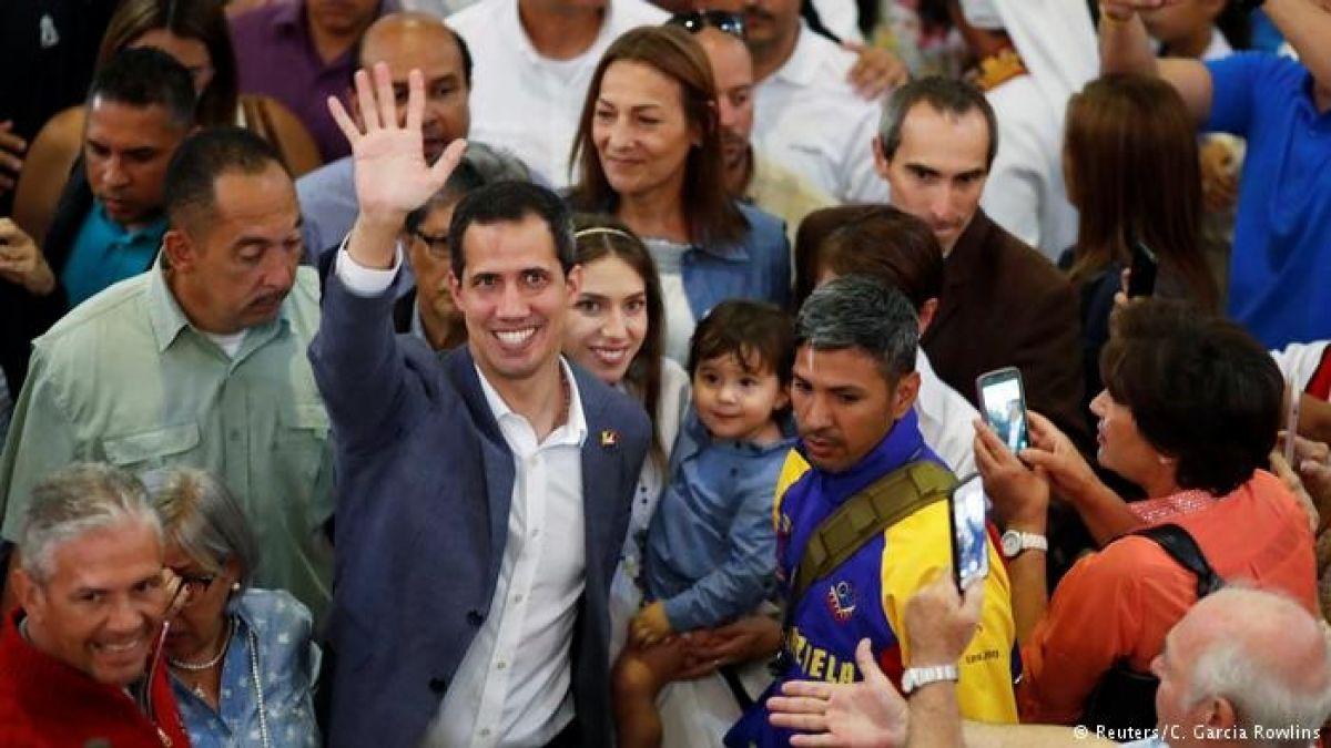 Juan Guaidó asegura que primer cargamento de ayuda ya fue entregado