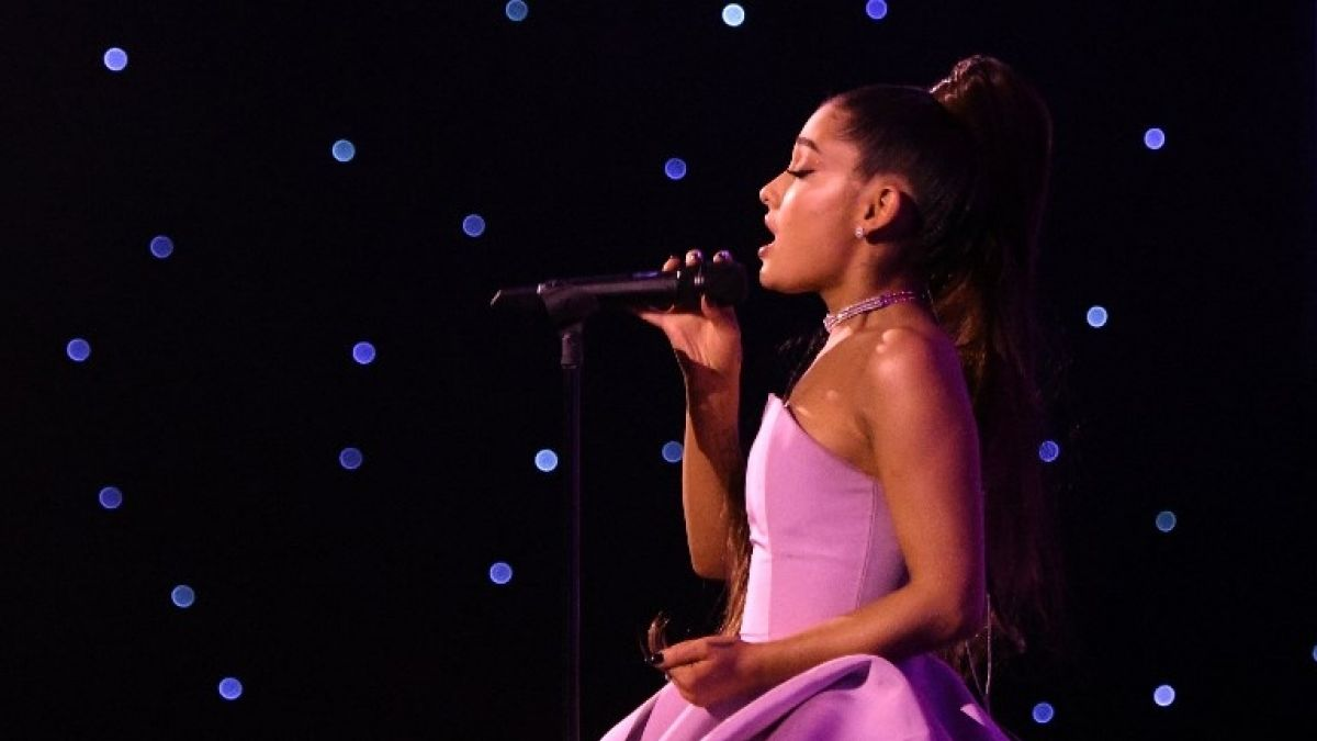 Ariana Grande rompe récords en la cartelera Billboard Hot 100