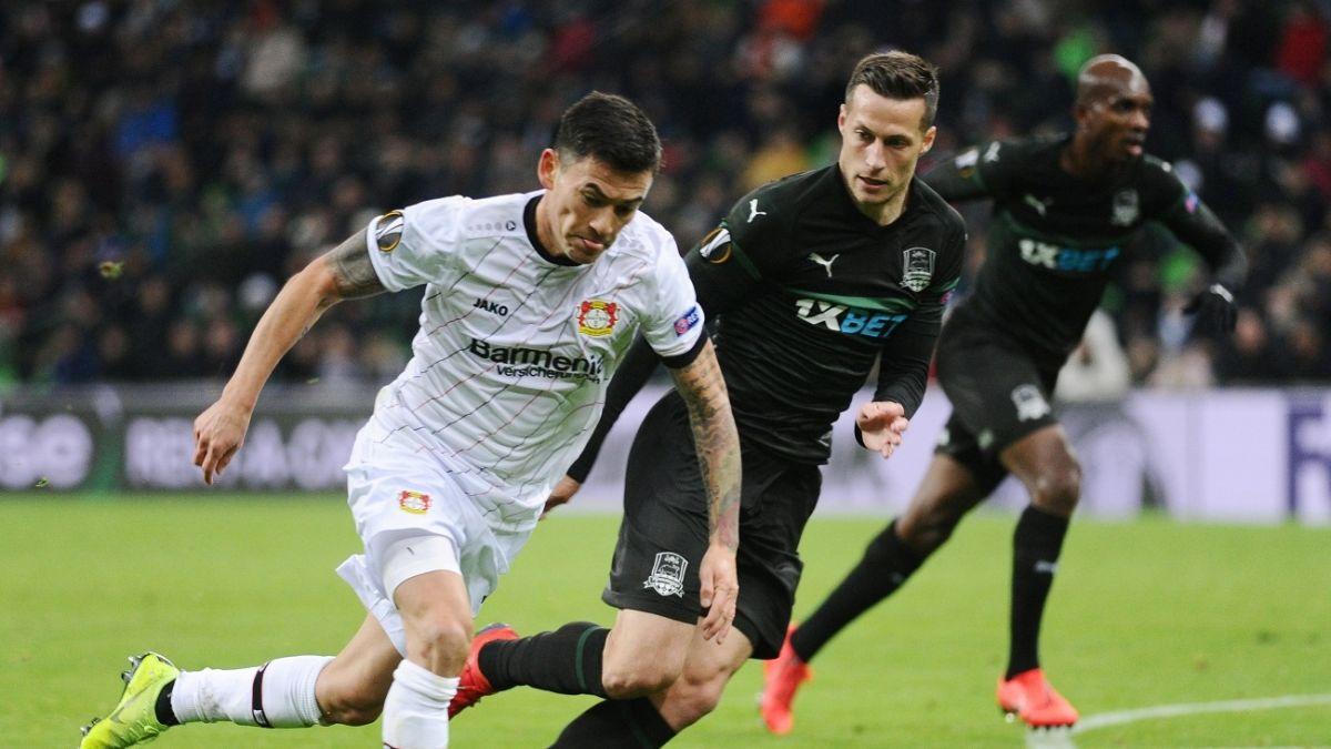 El golazo de Charles Aránguiz que no evitó la eliminación del Bayer Leverkusen