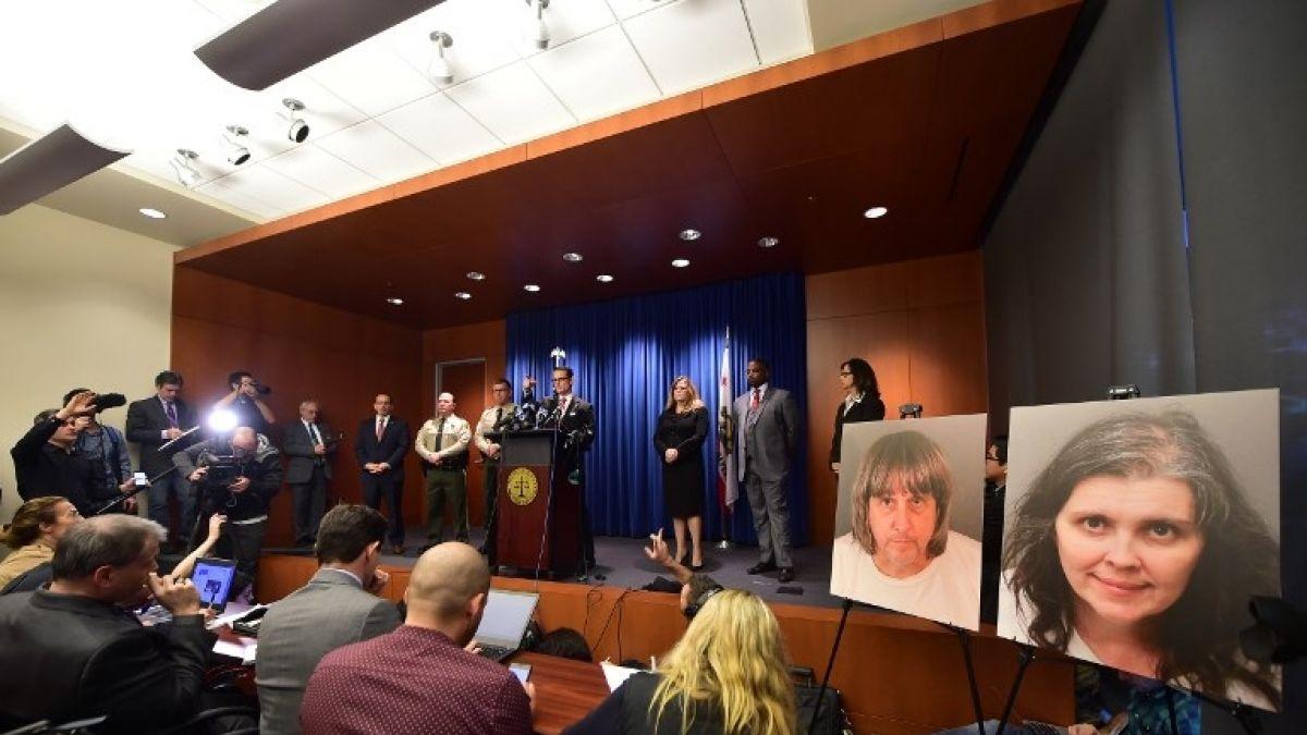 Pareja estadounidense se declara culpable de torturar a sus 13 hijos